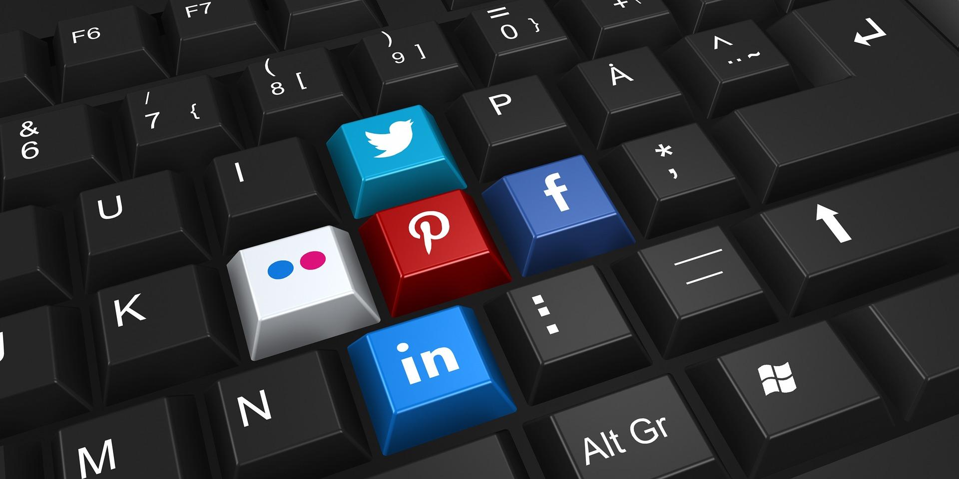 Social-media-keyboard